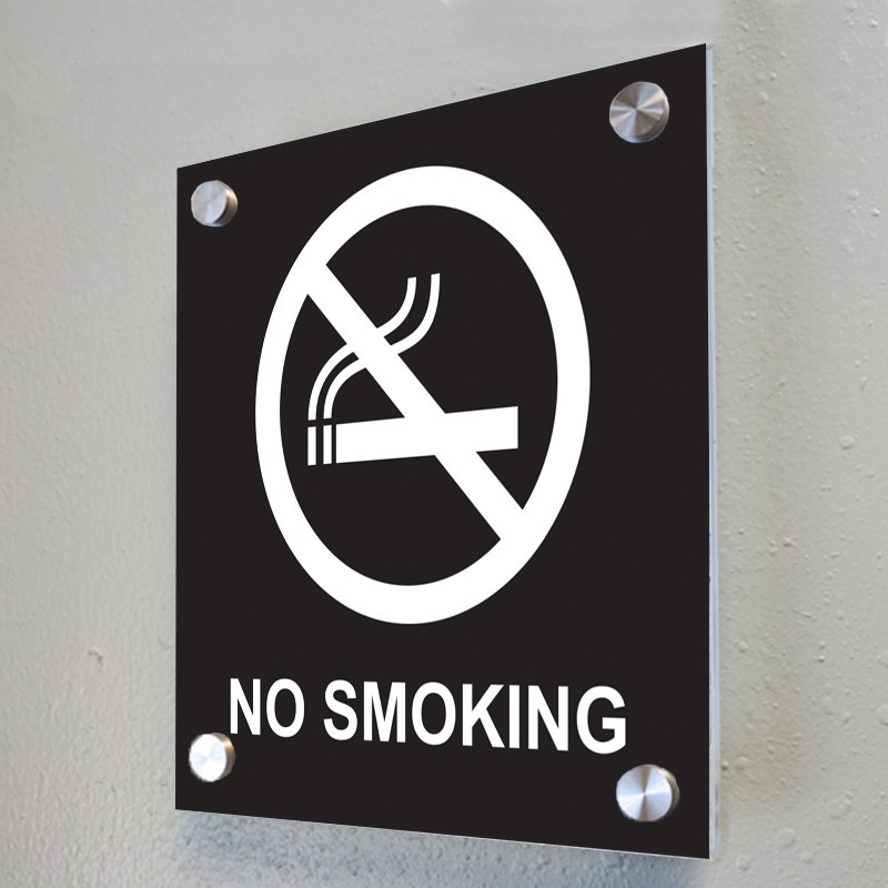 NO SMOKING - BLACK & WHITE