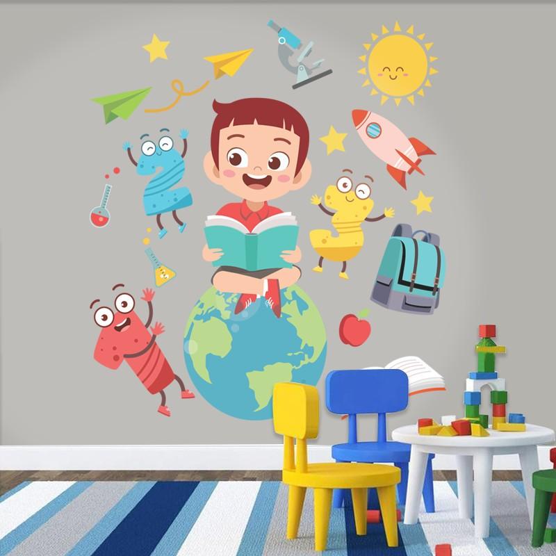 Αυτοκόλλητο Τοίχου - Παιδί Που Διαβάζει